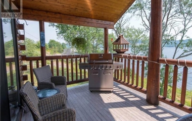 4 Season Cottage For Rent On The Belleisle Bay